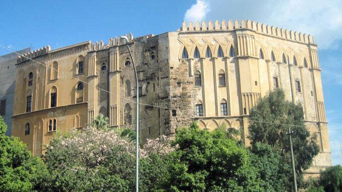 Palazzo-dei-Normanni-Palermo_Aussenansicht_6044