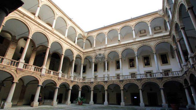 Palazzo-dei-Normanni-Palermo_Innenhof_0145