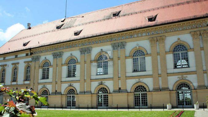 Schloss-Dachau_Eingang_5298