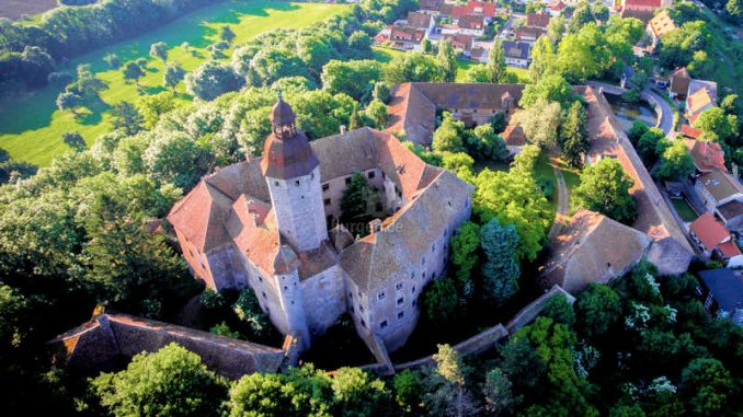 Schloss-Virnsberg_Luftbild_0953-800