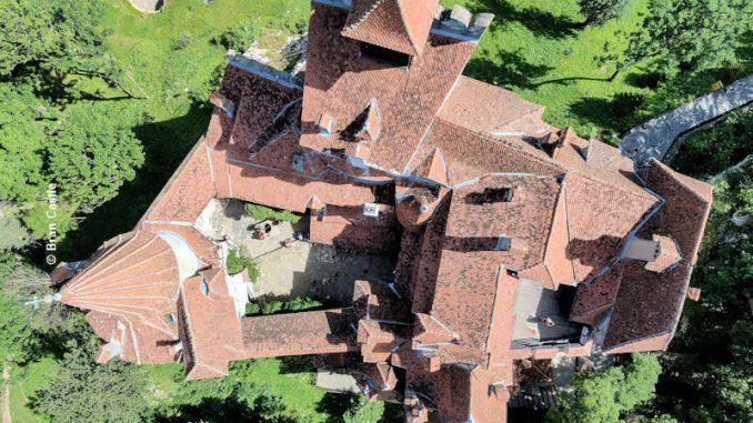 burgen.de_Bran-Castle_Luftbild