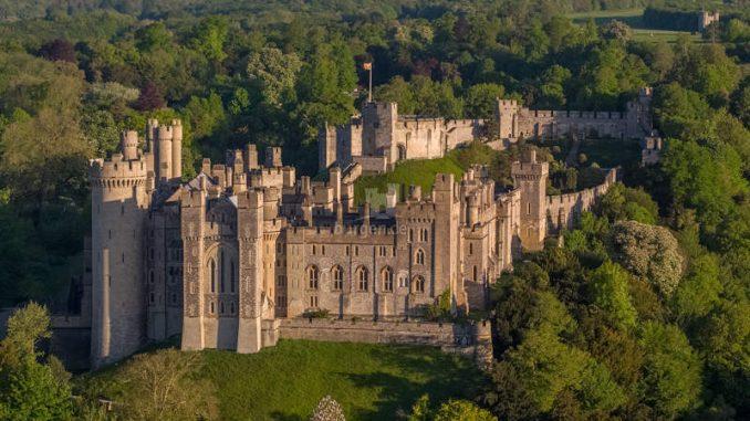 Arundel-Castle_Luftbild-1_VisualAir-Sam-Moore