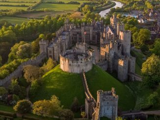 Luftbild Motte & Übersicht © Arundel Castle / Aerial Sussex / Sam Moore