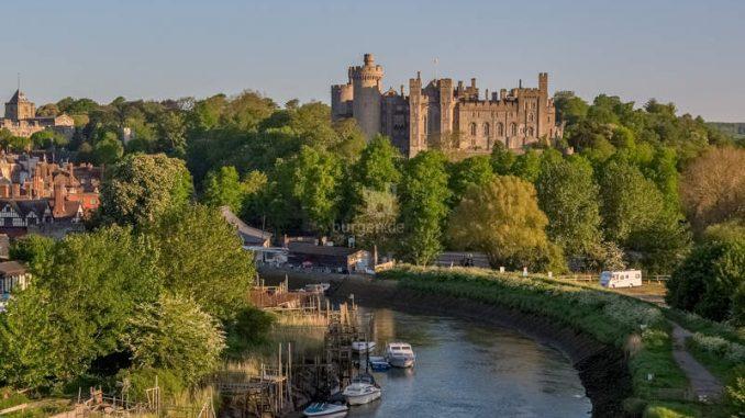 Arundel-Castle_Totale_AerialSussex-sam-Moore