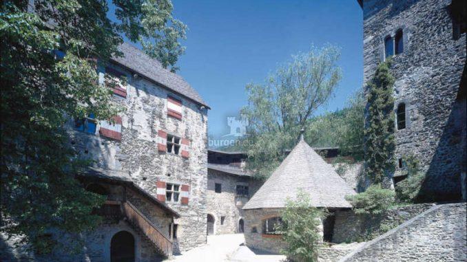 Burg-Taufers_1583152062-24_och