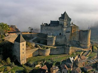 Chateau Castelnaud, Luftbild © Laugery