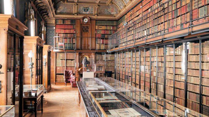 Chateau-Chantilly_Bibliothek-c-sophie-lloyd