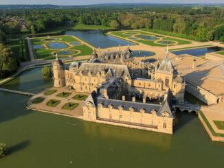Chateau Chantilly, Frankreich - Luftbild © Jérôme Huyvet