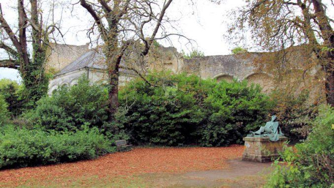 Chateau-Montresor_Parkdetail_5882