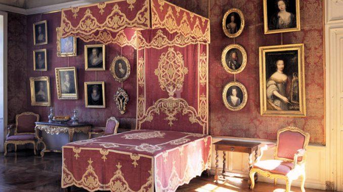 Chateau-de-Bussy-Rabutin_c-David-Bordes_Centre-des-Monuments-Nationaux