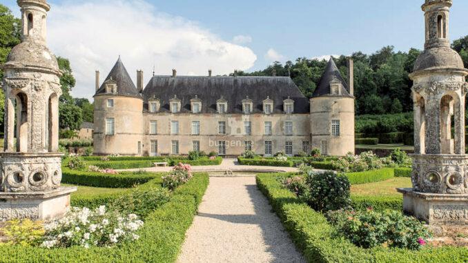 Chateau-de-Bussy-Rabutin_c-Jean-Pierre-Delagarde_Centre-des-Monuments-Nationaux
