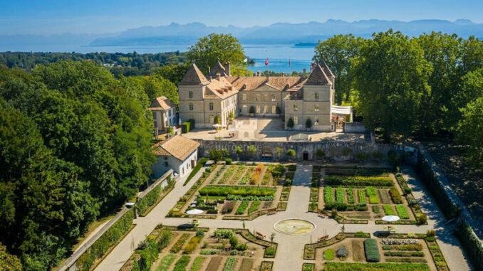 Chateau-de-Pranings_Seebild_1583834835