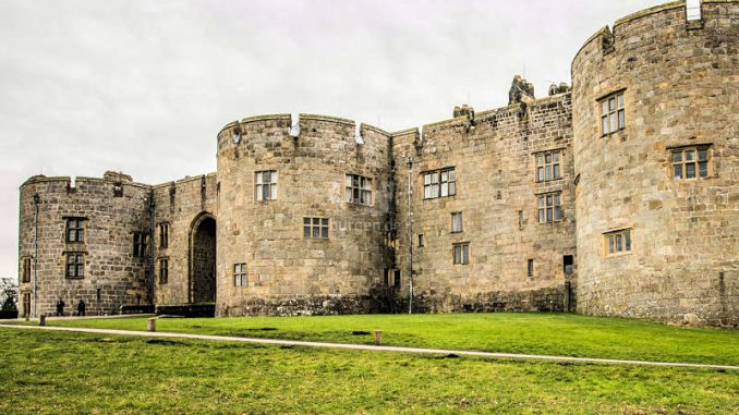 Chirk-Castle_Snowdrop-Trail-c-National-Trust