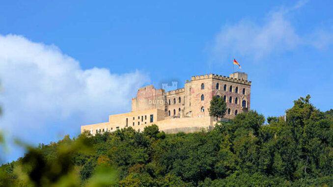 Hambacher Schloss (Rheinland-Pfalz) - Panorama ©, Hambacher Schloss (deutschland), die Wiege der deutschen Demokratie.