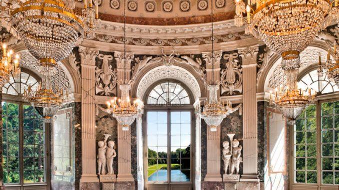 Schloss-Benrath_1583151885_Kuppelsaal_SSPB