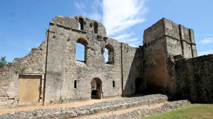Winchester_Old-Bishops-Palace_Aussenmauer_1394