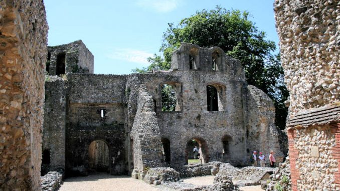 Winchester_Old-Bishops-Palace_Innenhof_1400