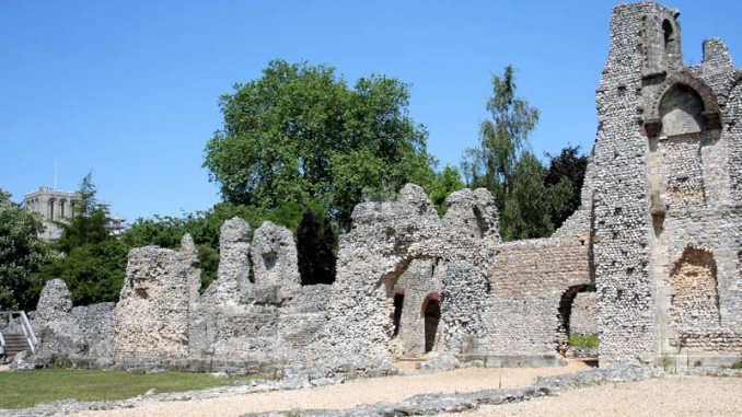 Winchester_Old-Bishops-Palace_Mauerfragmente_1402