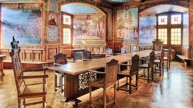 Chateau-De-Gruyeres_Rittersaal__c-DavidGagnebin-DeBons