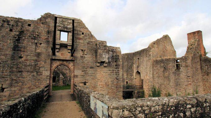 Chateau-de-Clisson_Inneres-Torhaus_8516