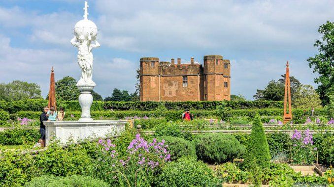 Kenilworth-Castle_Gartenpanorama