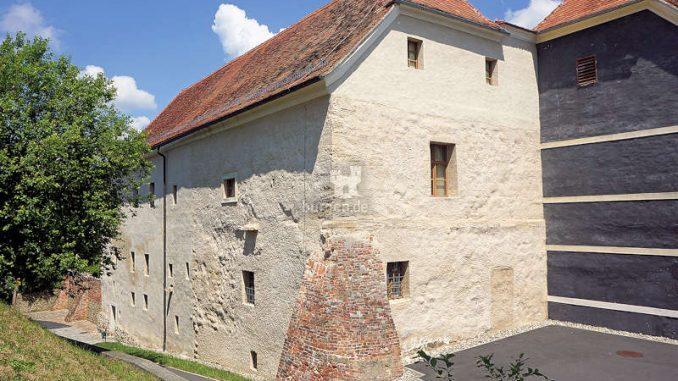 Pfeilburg-Fuerstenfeld_Rueckseite