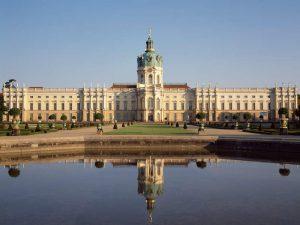 Schloss Charlottenburg, Ansicht der Gartenseite / Foto: Hans Bach // © Stiftung Preußische Schlösser und Gärten Berlin-Brandenburg