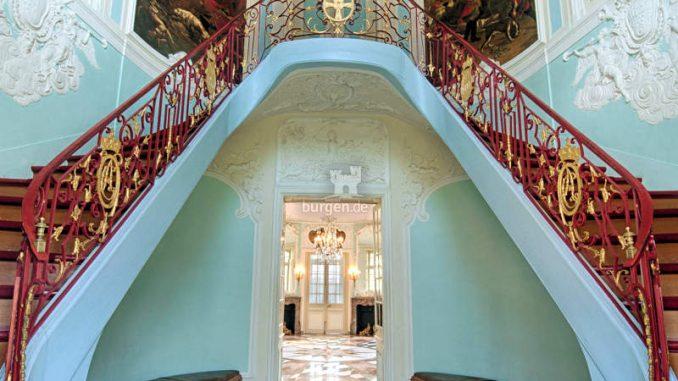 Schloss-Clemenswerth-Emslandmuseum_Treppenhaus_c-Praktikat-Schoening-Fotodesign