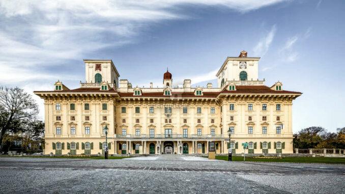 Schloss-Esterhazy_26592_c-AndreasHafenscher_HQ