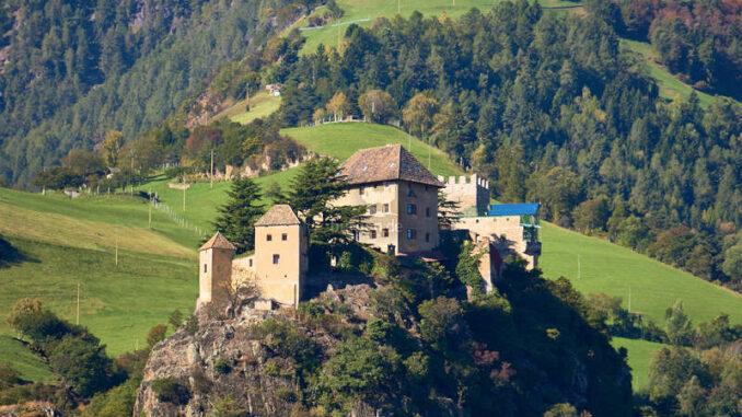 Schloss-Juval_Panorama_flickr-Harald-Kreusch
