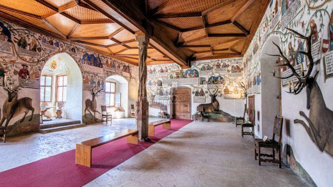 Schloss-Tratzberg_Saal-mit-Jagdmotiven