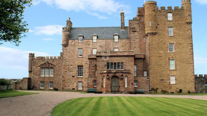 Castle-of-Mey_Vorderansicht