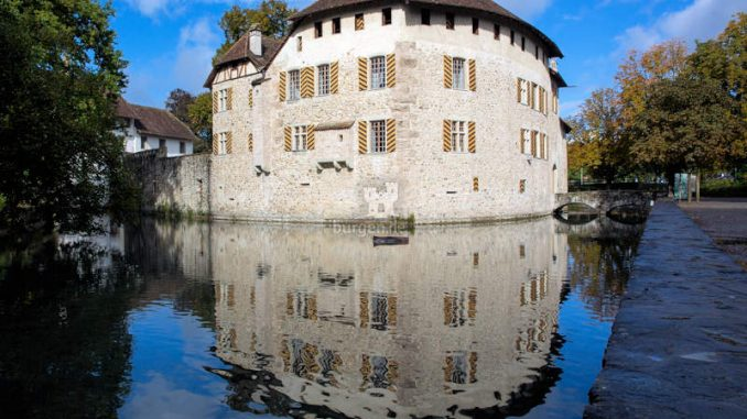 Schloss-Hallwyl_mit-Aabach