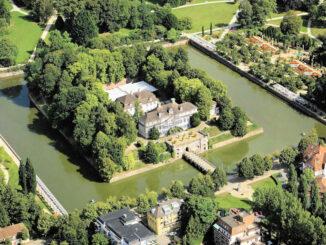Luftbild Schloss & Gärten © Museum Pyrmont