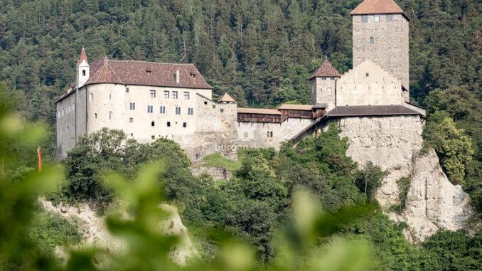 Schloss-Tirol_Aussenansicht_Angelika-Schwarz