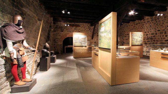 Schloss-Tirol_Ausstellung_Angelika-Schwarz_1676