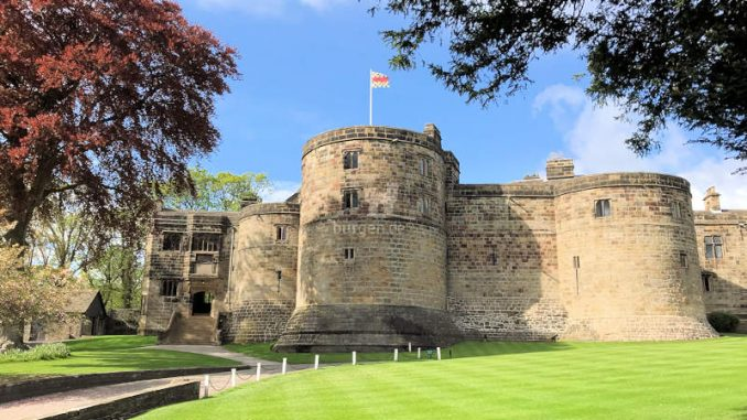 Skipton-Castle_Bastion+Wall