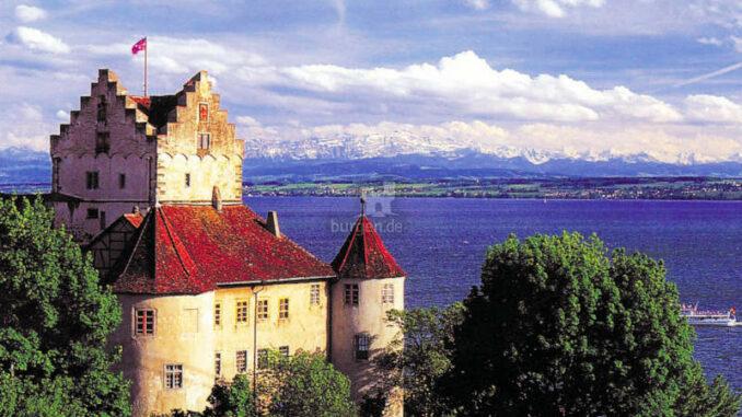 Burg-Meersburg_Seeblick-mit-Alpen_c-BMG