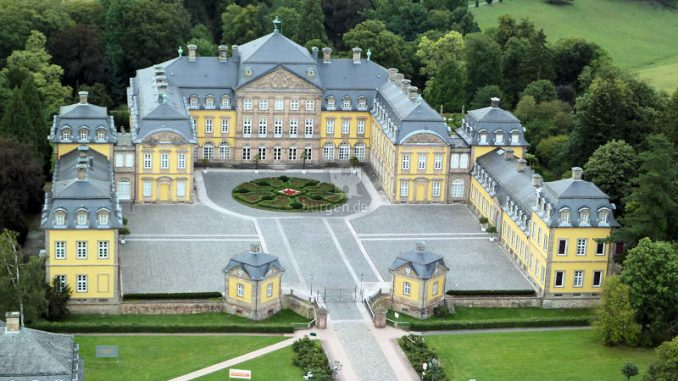 Schloss-Arolsen_Luftbild