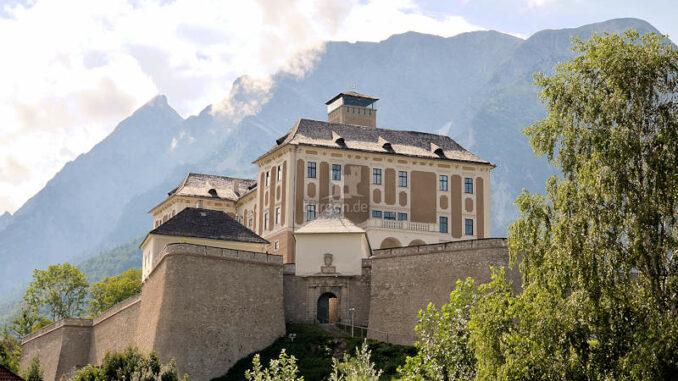 Schloss-Trautenfels_Grimming_c-Ernst-Reichenfelser