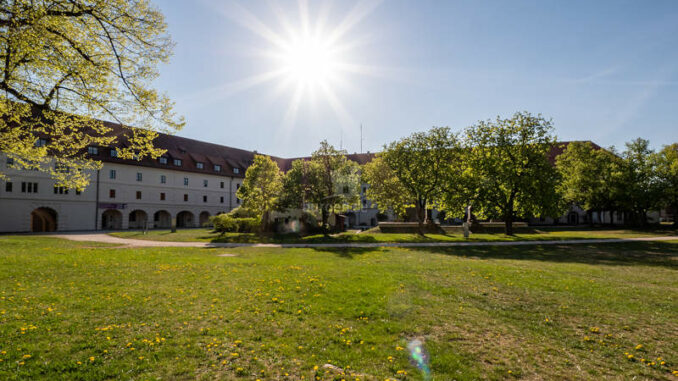 Wuelzburg_Innenhof_c-Stadt-Weissenburg