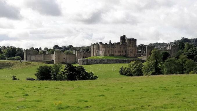 Alnwick-Castle_Panoramablick