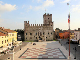 Das menschliche Schachbrett © Castello Inferiore / Castello Superiore