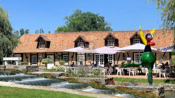 Chateau-Vascoeuil_Kaffee-auf-der-Terasse_c-Chateau-Vascoeuil