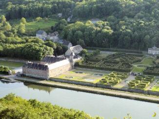 Château de Freÿr-sur-Meuse - Blick aus der Luft © Axel Bonaert de Laubespin/ Château de Freÿr
