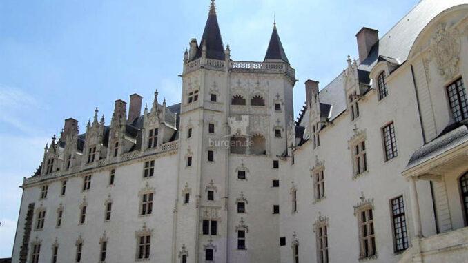 Chateau-des-Ducs-de-Bretagne_Fassade-2