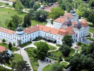 Luftbild - Schloss & Garten © Schloss Gödöllői
