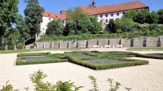 Schloss-Iburg_Knotengarten_c-Schloss-Iburg