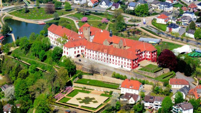 Schloss-Iburg_Luftbild2018_c-HelmutSchmidt