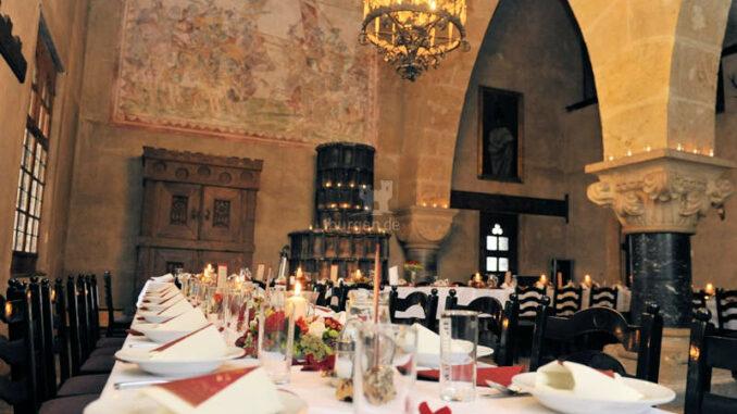 Burg-Finstergruen_Rittersaal-Fest